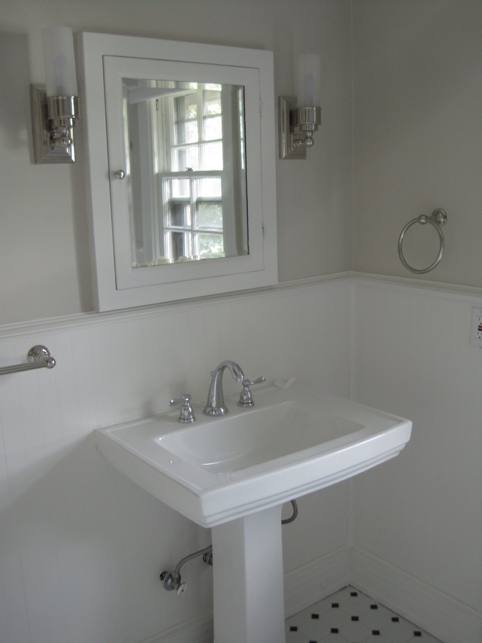 Guest Bathroom Paint And More Progress The Writer And
